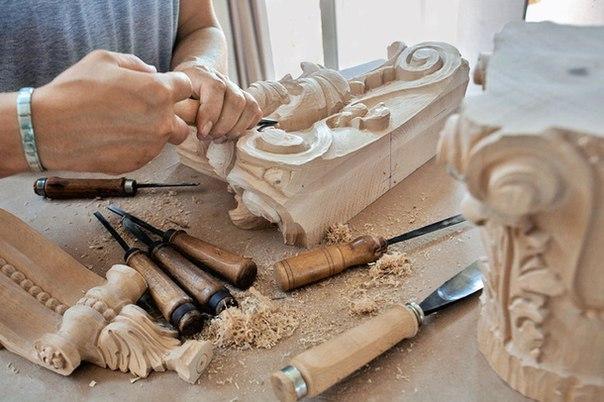 Резьба по дереву поделки и инструмент