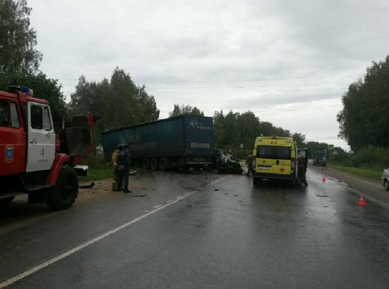 ВИвановском районе фургон столкнулся смикроавтобусом