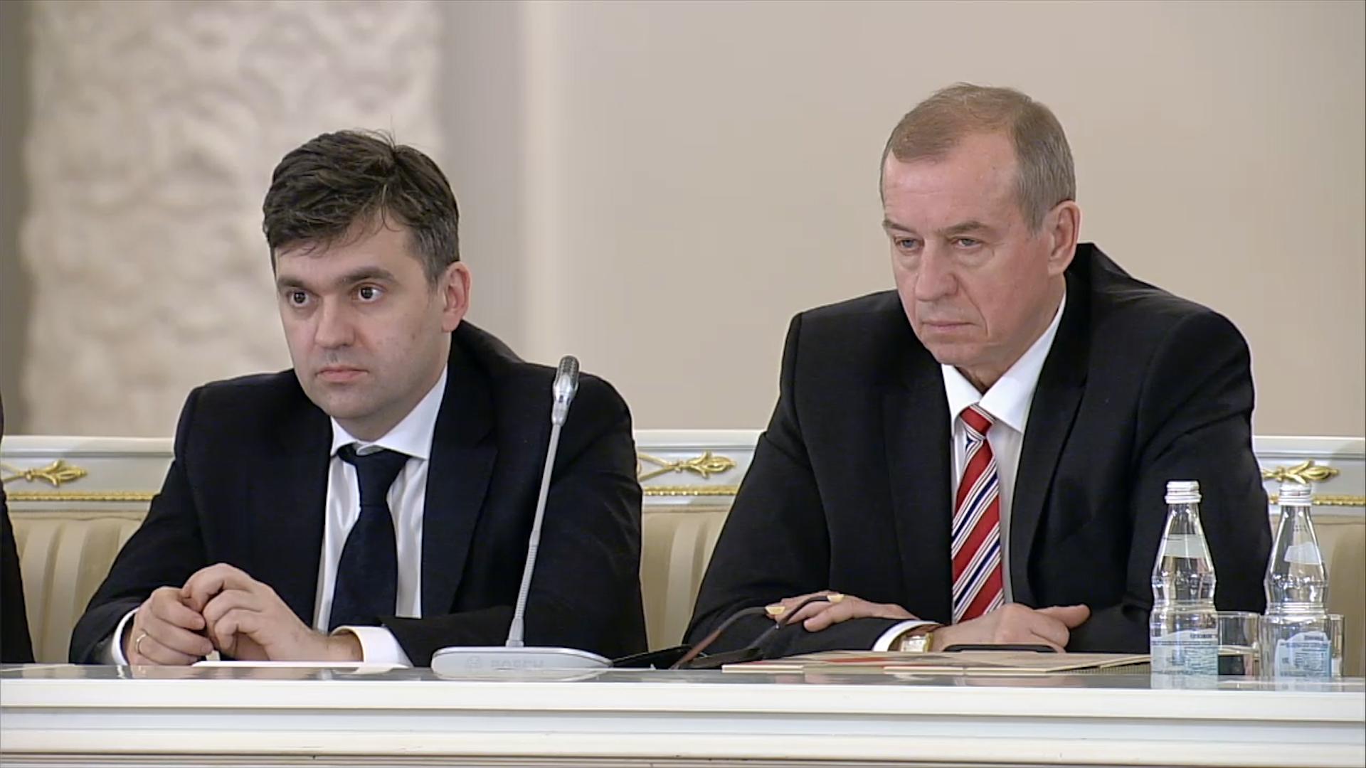 Путин назвал наращивание вложений денег в областях политической задачей