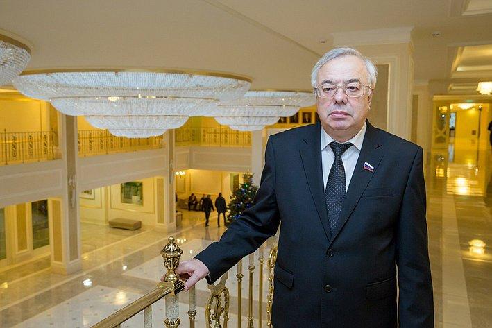 Путин наградил лидера Туркменистана орденом Александра Невского